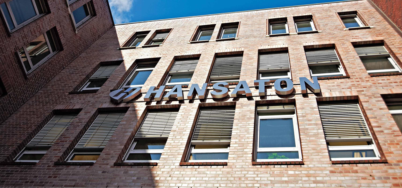 Fassade der Firmenzentrale in Hamburg